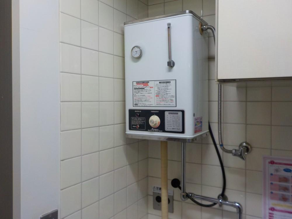中央区 経年劣化による電気温水器交換工事