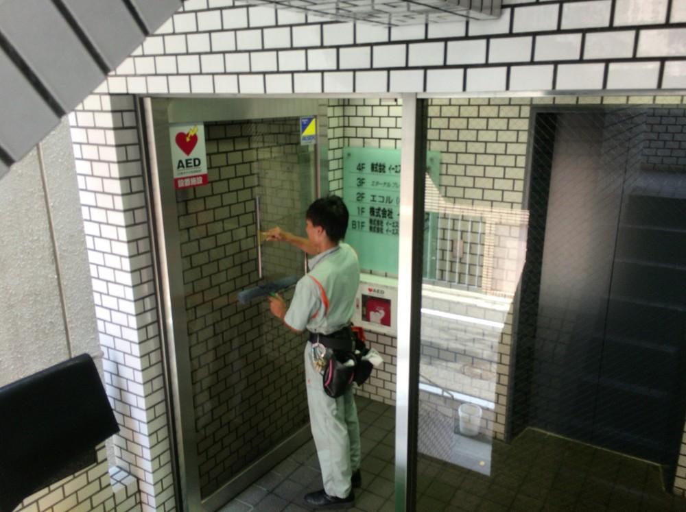 東京都文京区のEビル ガラス清掃